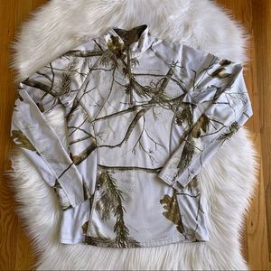 Women's White Camo 1/4 Zip By Realtree in Small